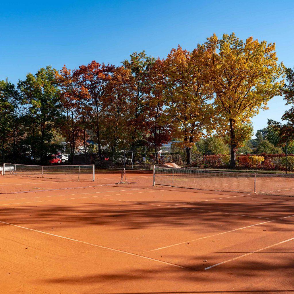 Die Tennisschule geht in die Halle
